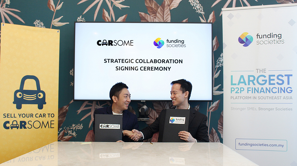 Carsome & Funding Societies MOU Signing [L-R] Carsome CEO & Co-founder, Eric Cheng_ Funding Societies Co-founder & CEO, Wong Kah Meng.